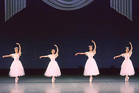 バレエコンサートPARTⅡより 『パ・ド・カトル』